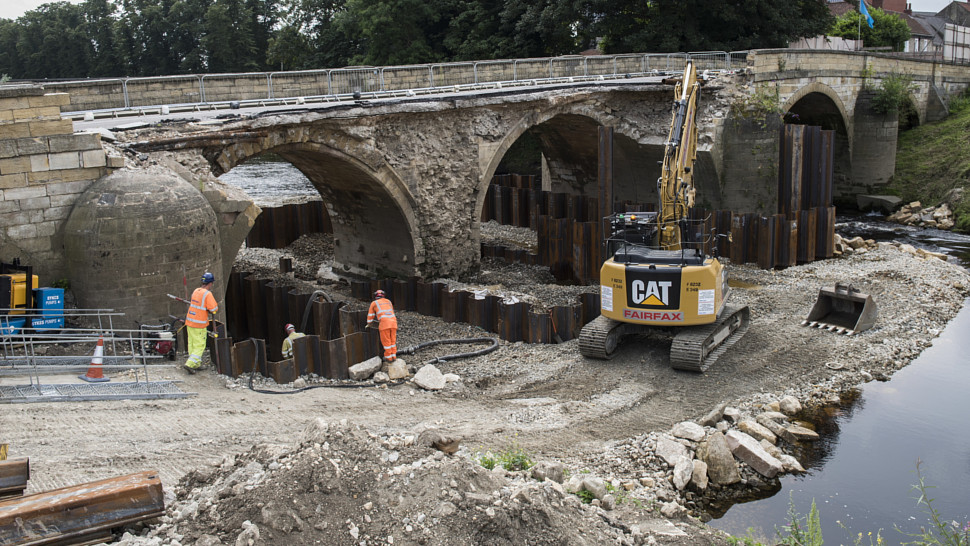 Round the clock working as Tadcaster bridge rebuild green lit