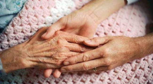 Health watchdog calls for improvements in end of life care