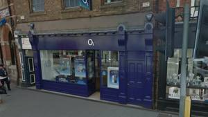 Thieves swipe iPhones from Selby shop
